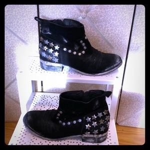 Mia Limited Edition Black Suede Bootie, size 8